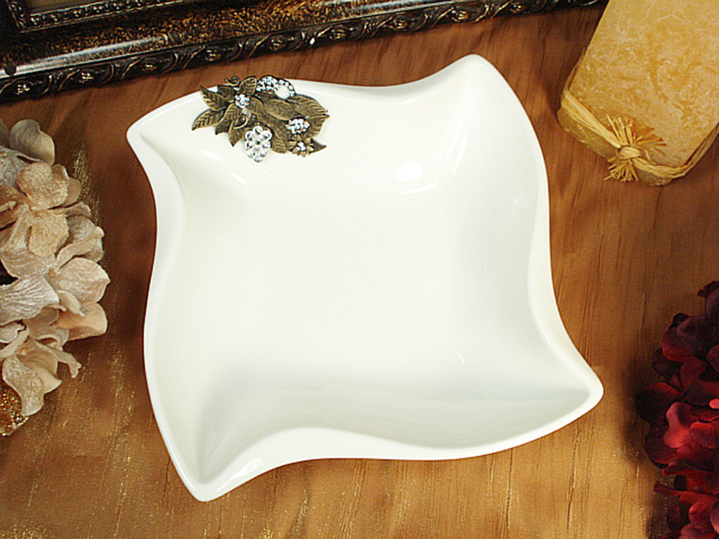B2155 – White Porcelain Twist Dish with Deluxe Metal Grape – Sparkle ...
